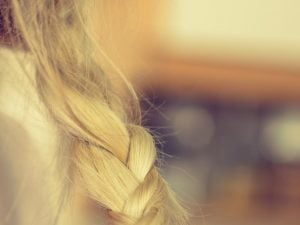 messy braid | Kintsugi Hair
