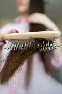 brushing hair | Kintsugi Hair